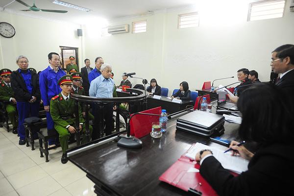 Tin vụ Bầu Kiên ngày 15-12-2014 - 40: Nhật ký tòa phúc thẩm chiều 15.12 - bầu Kiên bị tuyên y án 30 năm tù