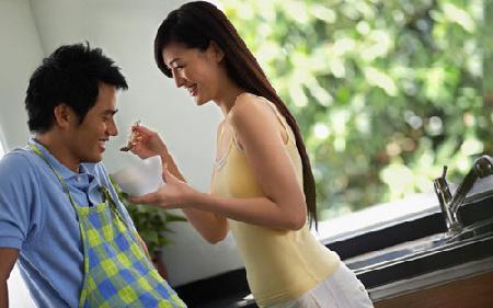Đàn ông và phụ nữ Việt: ai thực sự 'che chở' ai?